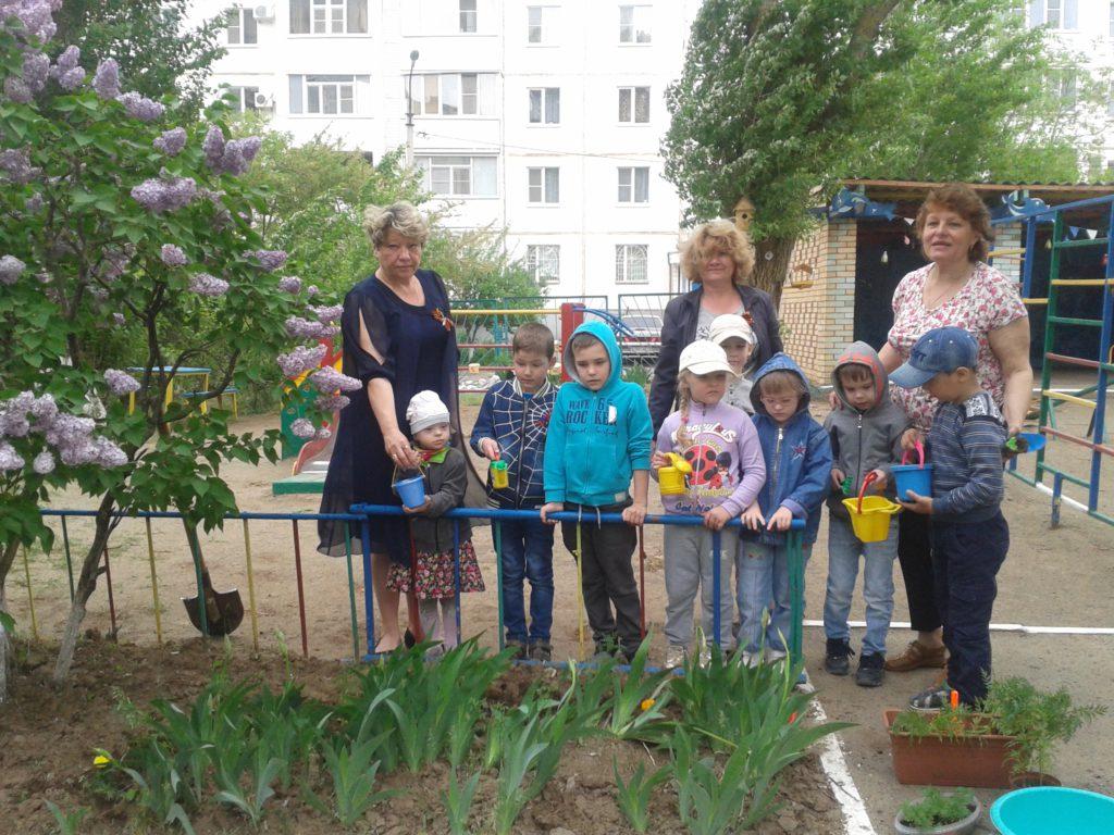 Участие  воспитанников и педагогов ДОУ во  Всероссийской  акции «Цветок памяти»